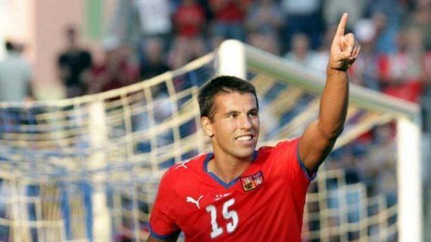 Fotbalista Milan Baroš oslavuje svůj gól v utkání proti San Marinu.
