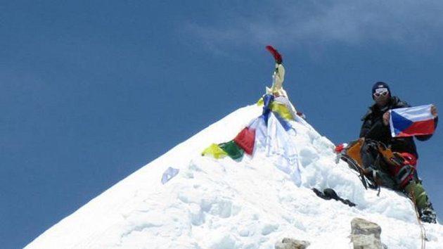 Radek Jaroš na vrcholu Makalu (8463 metrů)