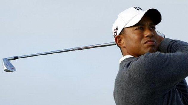 Americký golfista Tiger Woods během tréninku na British Open