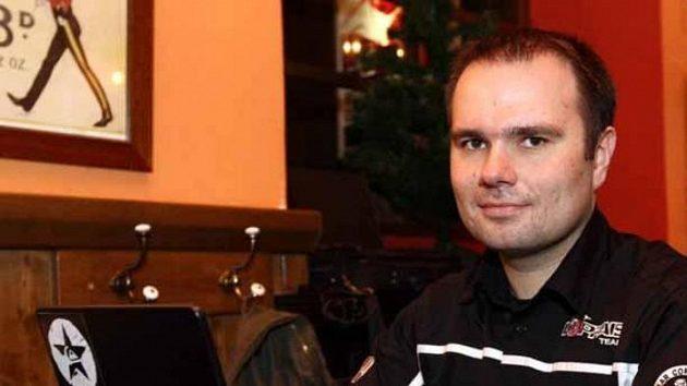 Aleš Loprais při on-line chatu se čtenáři Sport.cz