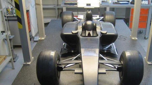 Model monopostu Lotus určený pro testy ve větrném tunelu.
