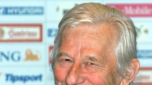 Trenér české fotbalové reprezentace Karel Brückner oznamuje nominaci na MS 2006.