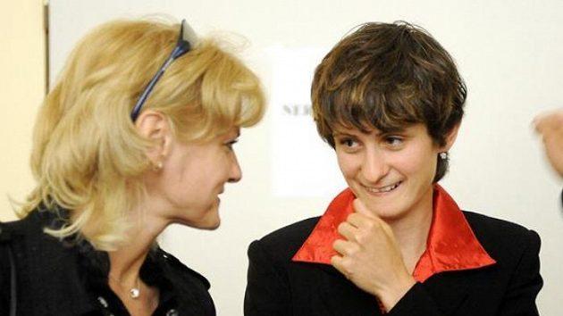 Světová rekordmanka v rychlobruslení Martina Sáblíková (vpravo) s maminkou Evou