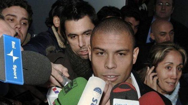 Brazilec Ronaldo po přestupu do AC Milán