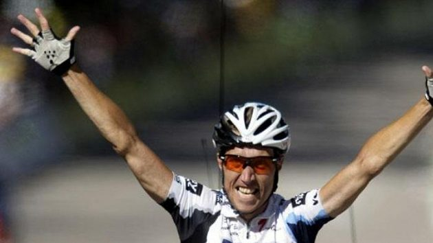 Dánský cyklista Nicki Sörensen se raduje ve 12. etapě Tour de France.