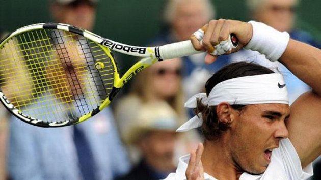Španělský tenista Rafael Nadal musel Wimbledon vzdát.