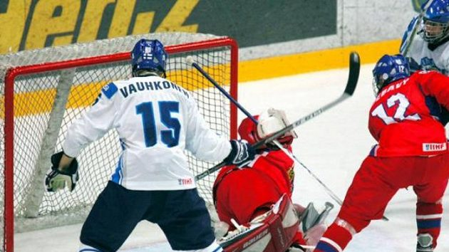 Čeští mladíci při zápase proti Finsku. Ilustrační foto