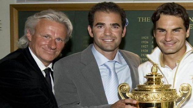 Slavní muži tenisového Wimbledonu - zleva Björn Borg, Pete Sampras a Roger Federer