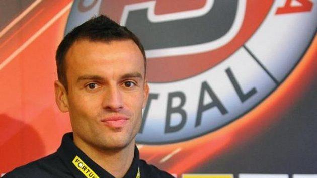 Fobalový stoper Erich Brabec s dresem pražské Sparty.