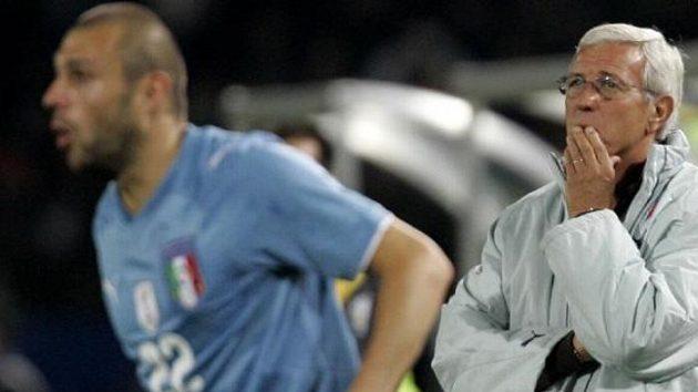 Trenér Itálie Marcello Lippi (vpravo)