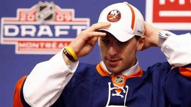 Kanadský hokejista John Tavares v dresu New Yorku Islanders