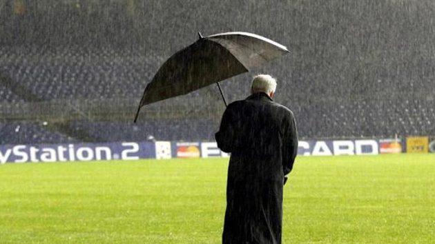 Slavný trenér Bobby Robson už nadobro fotbalové trávníky opustil