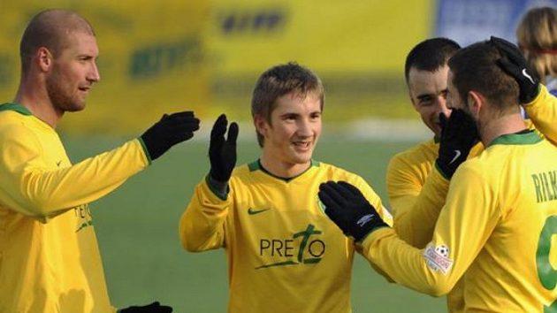 Hráči Žiliny se radují z gólu vstřeleného do sítě Olomouce ve finále Tipsport ligy