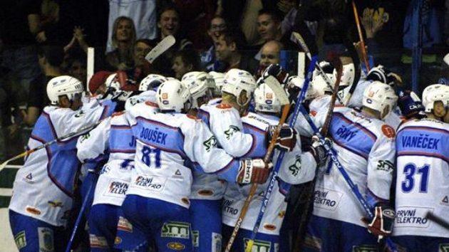 Radost hokejistů Chomutova - ilustrační fotografie
