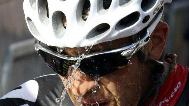Španělský cyklista Carlos Sastre v cíli 19. etapy Gira d'Italia