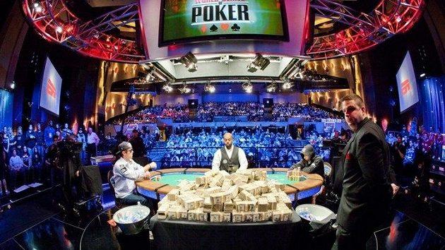 Zaostřeno na Las Vegas, kde právě probíhá největší pokerová událost roku 43. ročník WSOP.