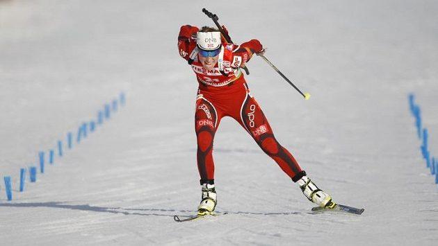 Norská biatlonistka Tora Bergerová v cíli závodu