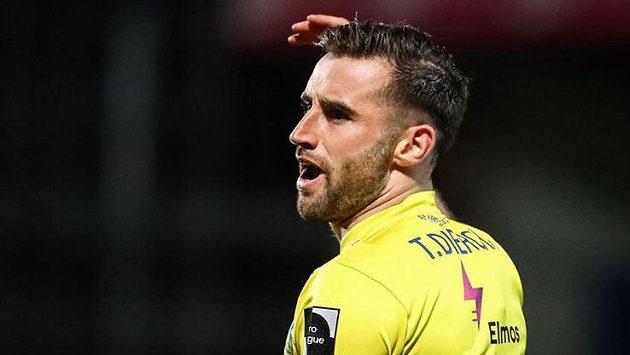 Belgický fotbalista Tuur Dierckx půjde za porušení koronavirových opatření do vězení.