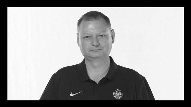 Smutná zpráva pro sportovní svět. V souvislosti s nákazou Covid-19 zemřel lékař Roman Abželilov z CSKA Moskva, nejslavnějšího ruského klubu.
