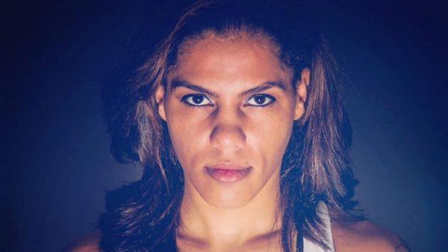 Ava Knightová, boxerka a také zápasnice MMA.