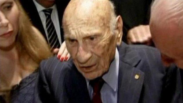 Poslední pamětník finále premiérového MS ve fotbalu v roce 1930 Francisco Varallo zemřel ve věku 100 let v Argentině.