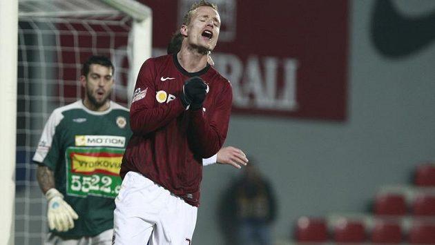Jiří Jarošík se raduje z gólu do sítě Brna.