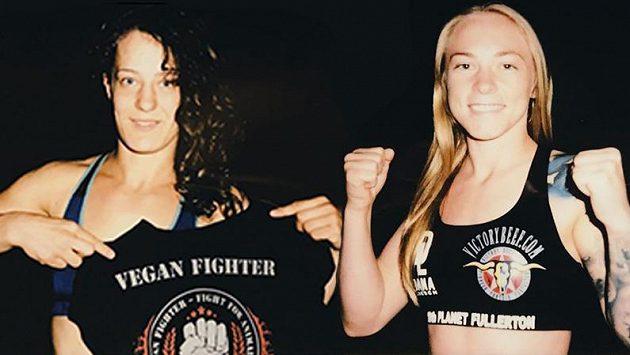 Magdaléna Šormová (vlevo) a její soupeřka Kay Hansenová.
