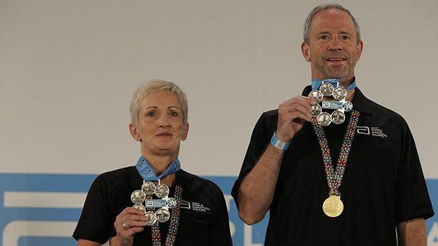 Barbara Fleming-Peceová se stala první ženou Severního Irska, která zaběhla TOP 6, šest nejvýznamnějších maratónů v řadě. Úspech slavil i David Marek z Chicaga.