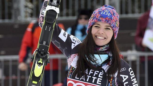 Tina Weirather slaví svůj triumf v Crans Montaně.