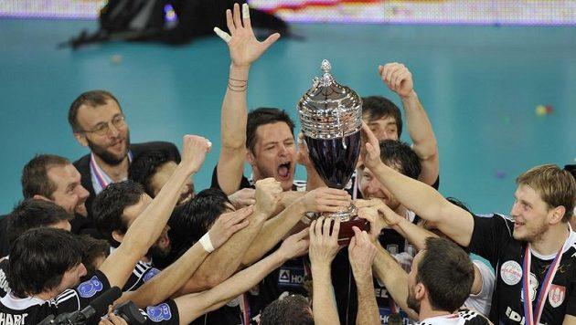 Volejbalisté Českých Budějovic se radují z domácího titulu