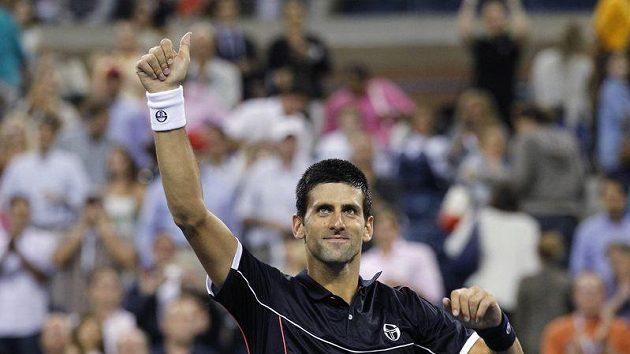 Srb Novak Djokovič se raduje z postupu do 3. kola US Open.