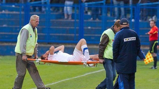 Marek Jankulovski nedohrál ani první zápas za Baník Ostrava, pro zranění musel střídat.