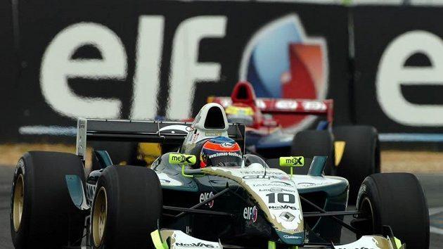 Tomáš Kostka v monopostu formule Renault.