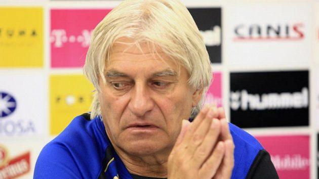 Ani modlitba trenérovi Liberce Ladislavu Škorpilovi nepomohla, po výprasku s Olomoucí na severu Čech skončil.
