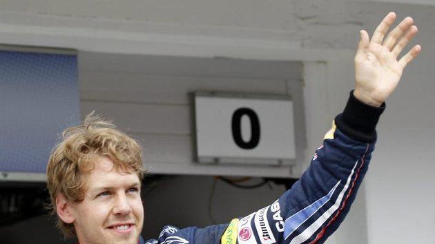 Sebastian Vettel se raduje z vítězství v kvalifikaci na GP Maďarska.
