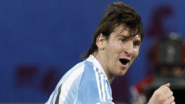 Argentinec Lionel Messi se raduje z branky.