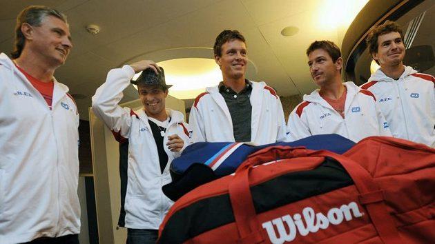 Čeští tenisté pojedou na první kolo Davisova poháru do Belgie.