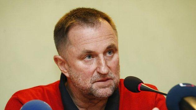 Trenér českých basketbalistek Lubor Blažek