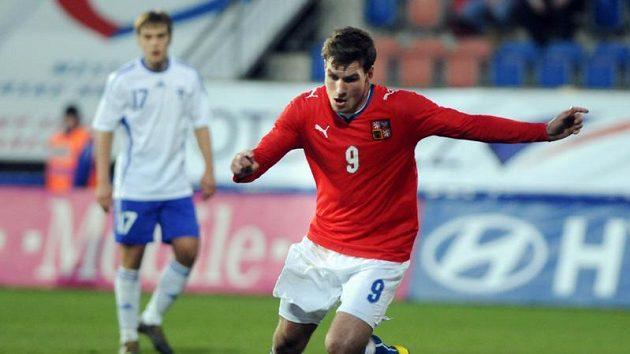 Michael Rabušic v dresu české reprezentace do 21 let v utkání proti Finsku.