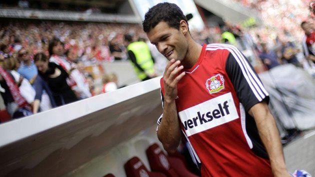 Michael Ballack sledoval vítězství nad Leverkusen pouze z lavičky Mohuče.