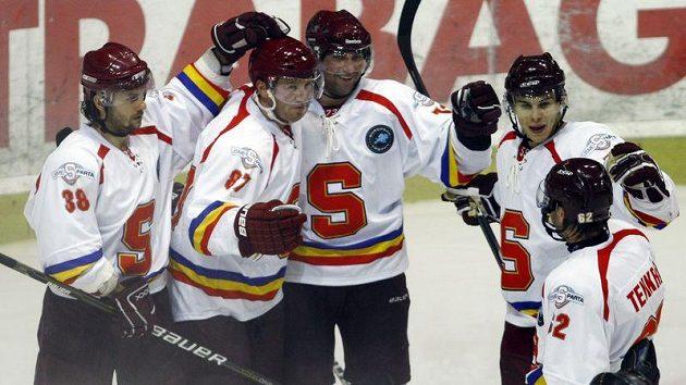 Radost hokejistů Sparty z gólu