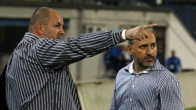 Debata dvou fotbalových šéfů a uc hazečů o vládu nad českým fotbalem - jablonecký Miroslav Pelta (vlevo) a plzeňský Tomáš Paclík.