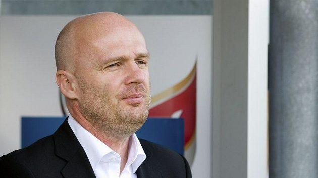 Trenér fotbalové reprezentace Michal Bílek musel před cestou do Japonska své představy korigovat.