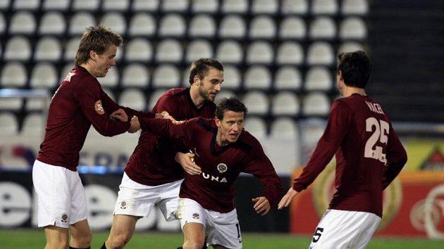 Fotbalisté Sparty se radují z gólu. Archivní foto