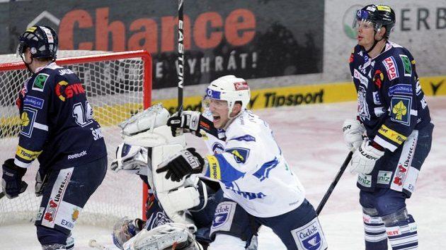 Plzeňský Tomáš Vlasák se raduje z branky do sítě Liberce ve čtvrtfinále play-off.