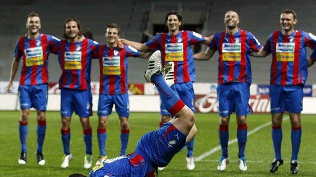 Po vítězných partiích v Lize mistrů předváděl Pavel Horváth s oblibou lachtana. Na Nou Campu k tomu bude mít těžko příležitost.
