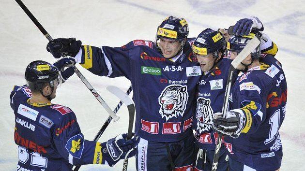 Marek Trončinský (uprostřed) se spoluhráči z Liberce