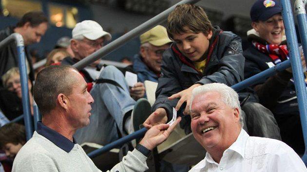 Ivan Lendl (vlevo) se v Ostravě těšil zájmu fanoušků.
