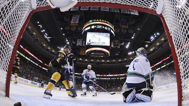 Bostonská TD Garden byla svědkem triumfu Bruins ve Stanleyově poháru. Našlapáno však v hale bývá i při zápasech basketbalistů Celtics.