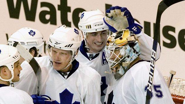 Radost hokejistů Toronta.